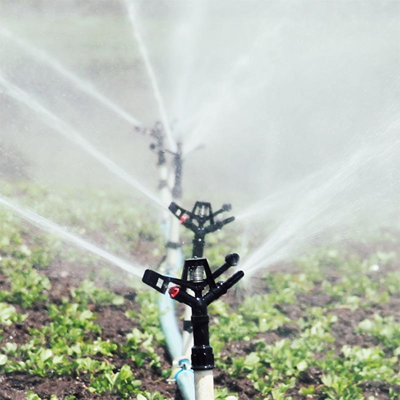 ¿A qué se debe prestar atención cuando se usa riego por goteo agrícola?